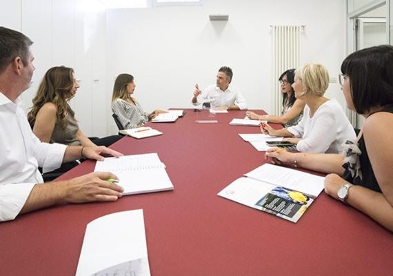 AEG Credit, informazioni commerciali e consulenza sulla gestione del credito